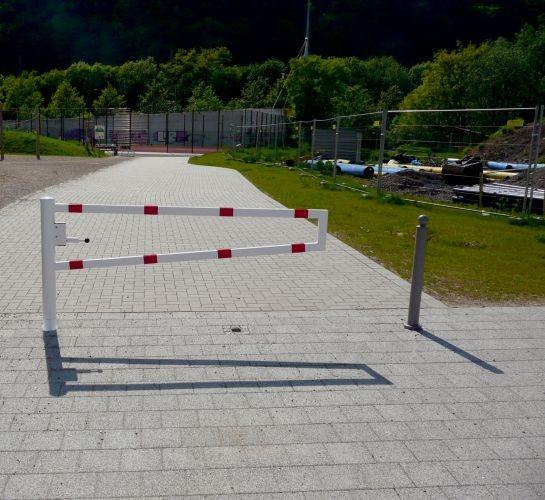 Barrière pivotante pour chemins piétons
